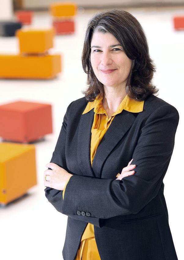 أليسون فانستون، عميدة جامعة فرجينيا كومنولث في قطر