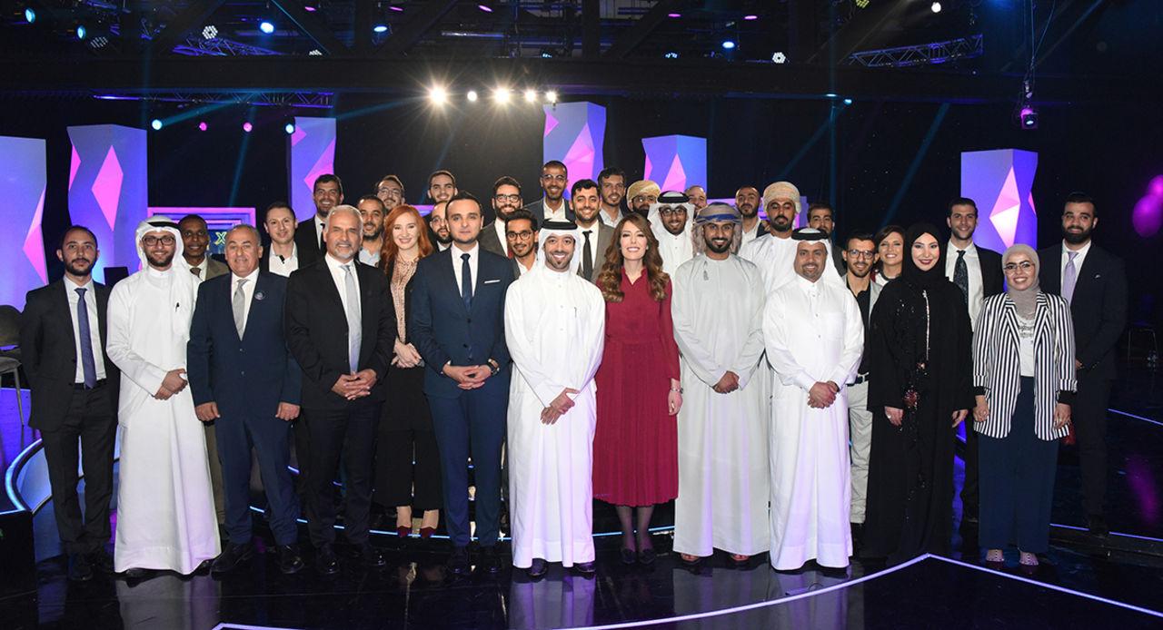 Alumni, candidates, jury and presenter.JPG