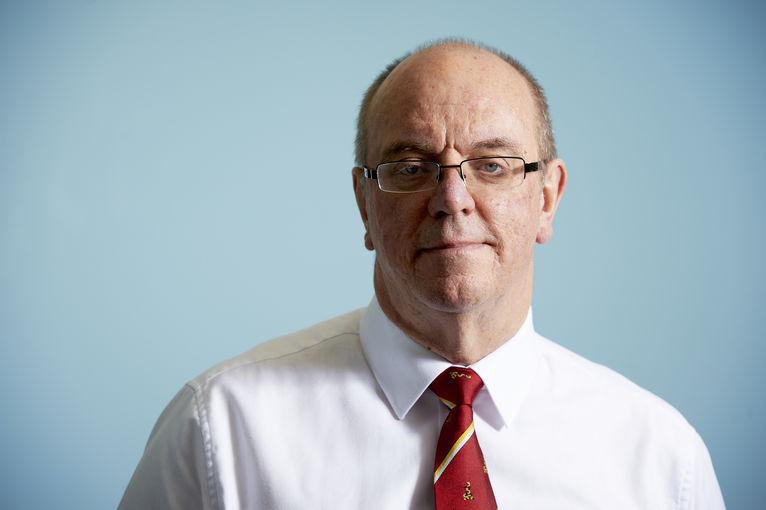 السير دايفد نيكولسن، رئيس منتدى التغطية الصحية الشاملة
