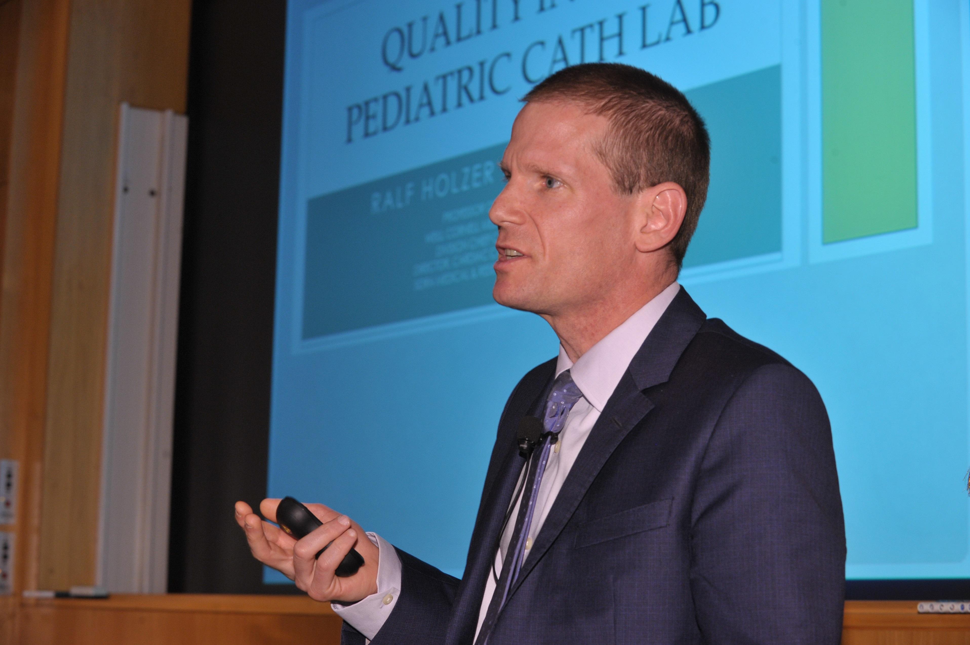 Dr. Ralf Holzer.jpg