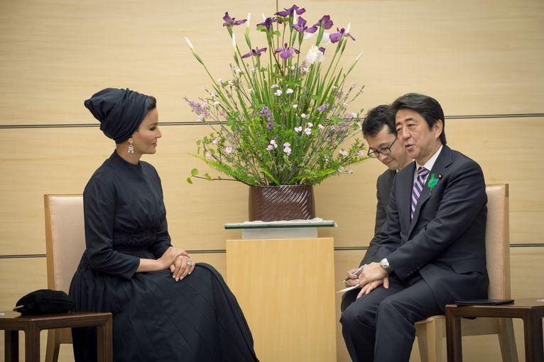 Her Highness Sheikha Moza bint Nasser meets with Japanese Prime Minister Shinzo Abe in Tokyo.jpg