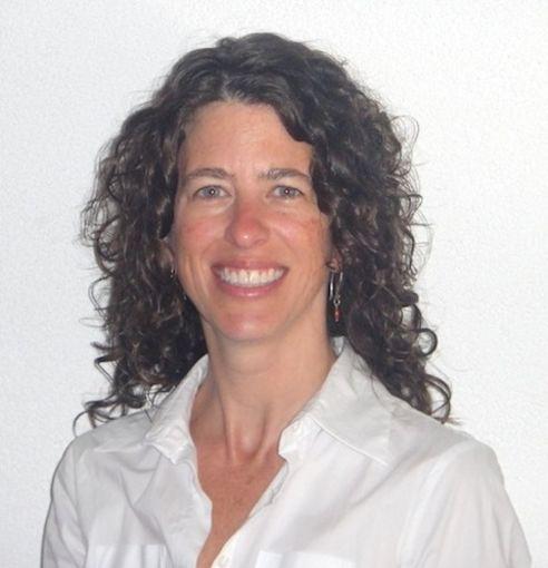 L Suzanne Suggs