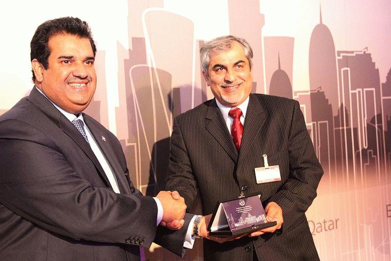 Mr Abdulla Yousuf Al Mulla (right) and Ambassador Khalid Rashid Al Mansouri.jpg