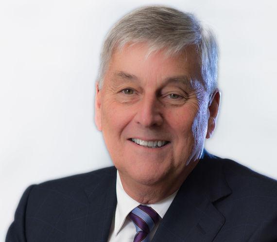 """البروفسور روبرت جي إس توماس """"OAM""""، رئيس منتدى تقديم الرعاية لمرضى السرطان بأسعار معقولة"""