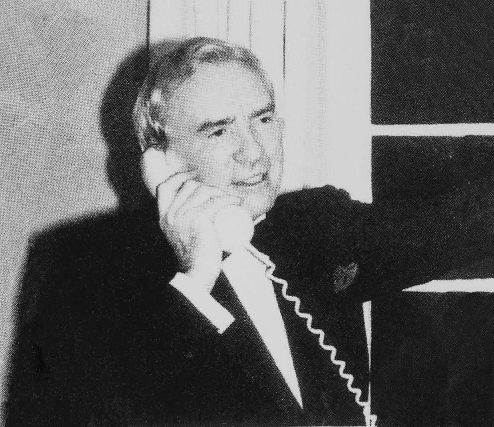 Sir_Ernest_Harrison_receiving_the_UK's_first_mobile_call._1st_January_1985.jpg