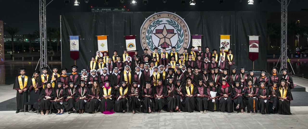 جامعة تكساس تحتفل بتخريج 100 مهندس